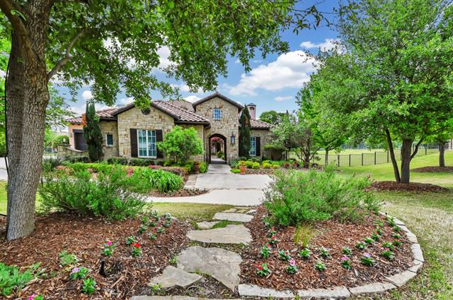 827 Dewberry Lane, Fairview, Texas