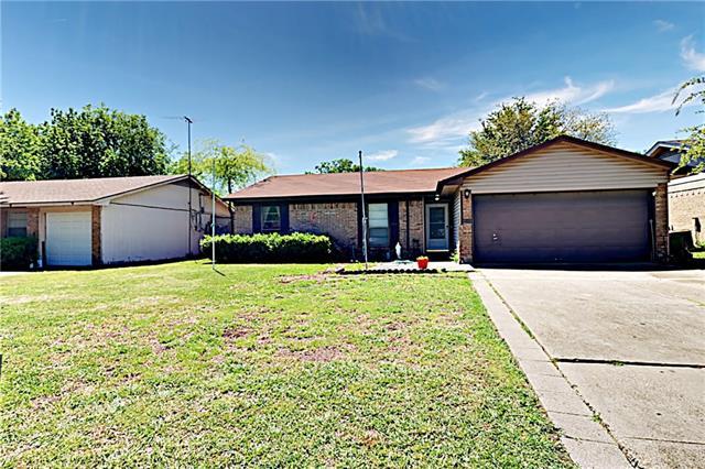 2417 April Lane, Grand Prairie in Tarrant County, TX 75050 Home for Sale