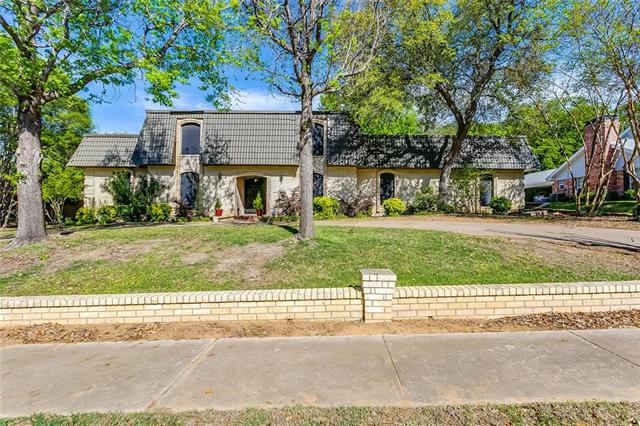 3908 Ashbury Lane, Bedford, Texas 5 Bedroom as one of Homes & Land Real Estate
