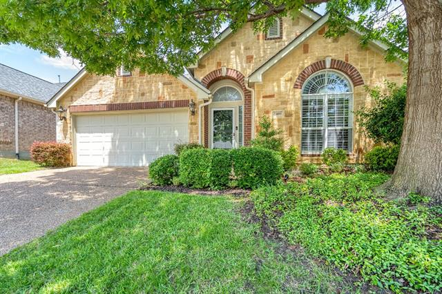 2409 Folkstone Way, Bedford, Texas