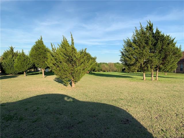 1794 Indian Ridge Oak Leaf, TX 75154
