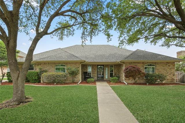 217 Pheasant Court, Bedford, Texas