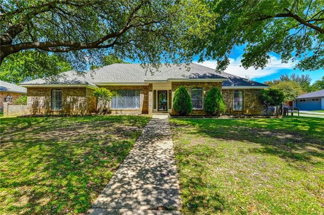 233 Glenmere Drive, Highland Village, Texas