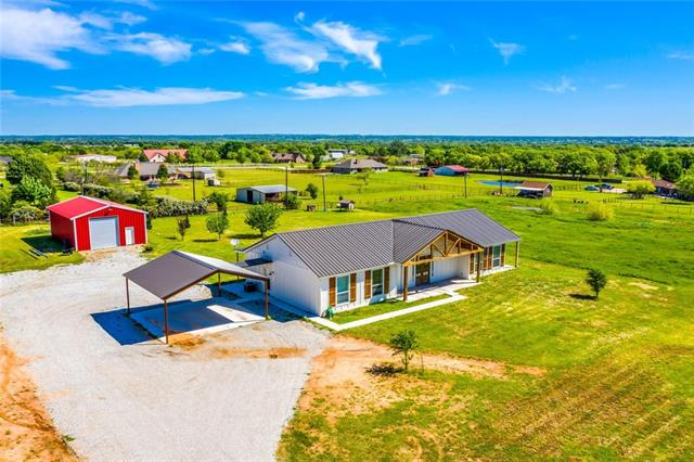 184 County Road 3383 Paradise, TX 76073