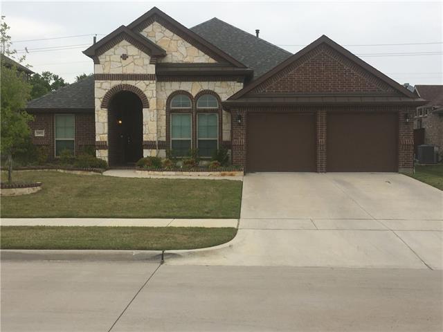 2952 CAYUGA Lane, Grand Prairie, Texas