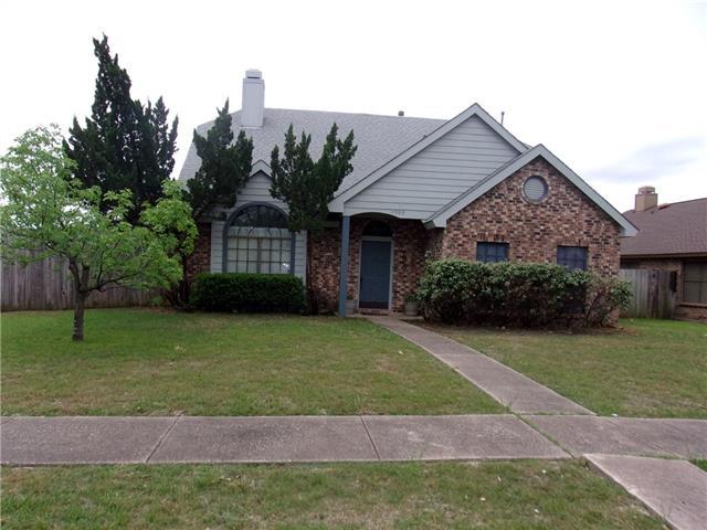 2909 Trilene Drive, Grand Prairie in Tarrant County, TX 75052 Home for Sale