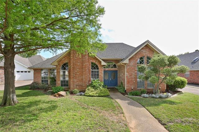 2521 Fox Glenn Circle, Bedford, Texas