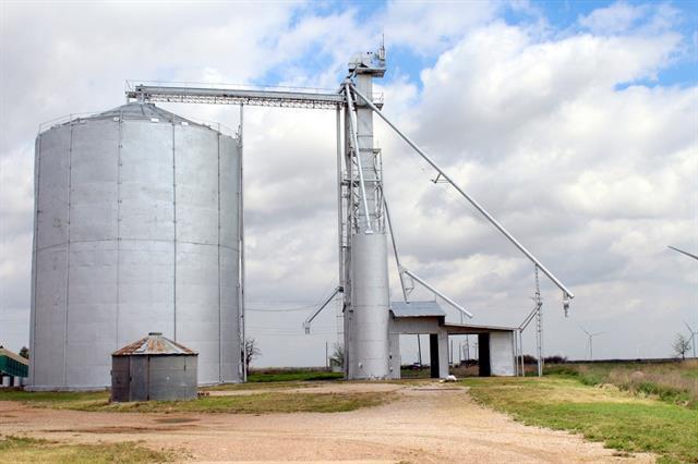 203 E Bevers, Weinert, TX 76388