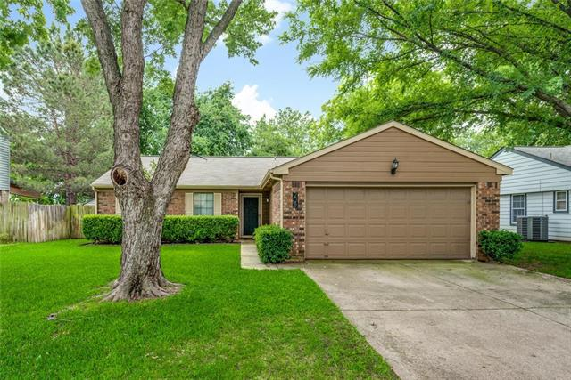 208 Cinnamon Lane, Euless in Tarrant County, TX 76039 Home for Sale