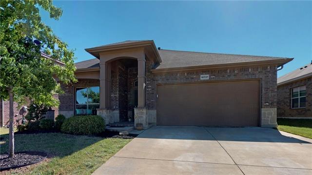 15737 Carlton Oaks Drive, Fort Worth Alliance, Texas