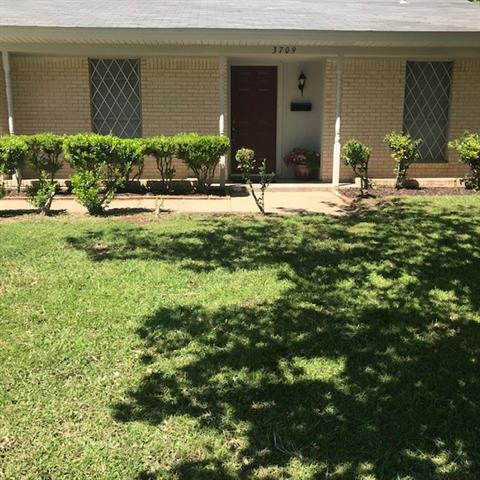 3709 Rough Creek Road Forest Hill, TX 76140