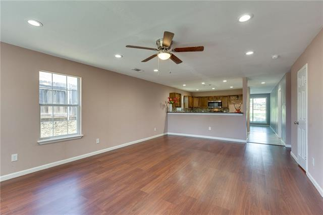 195 Landover Drive, Euless in Tarrant County, TX 76040 Home for Sale