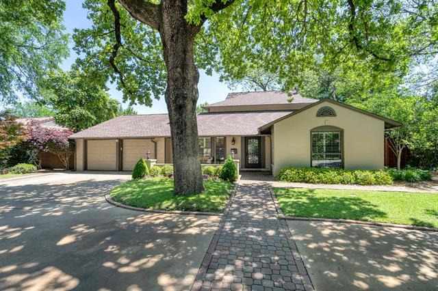 104 Crestwood Drive, Fort Worth Alliance, Texas