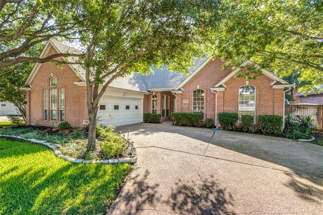 2408 Oak Brook Drive, Bedford, Texas