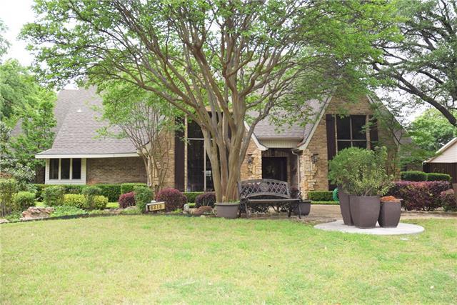 6218 Emeraldwood Place, Addison, Texas