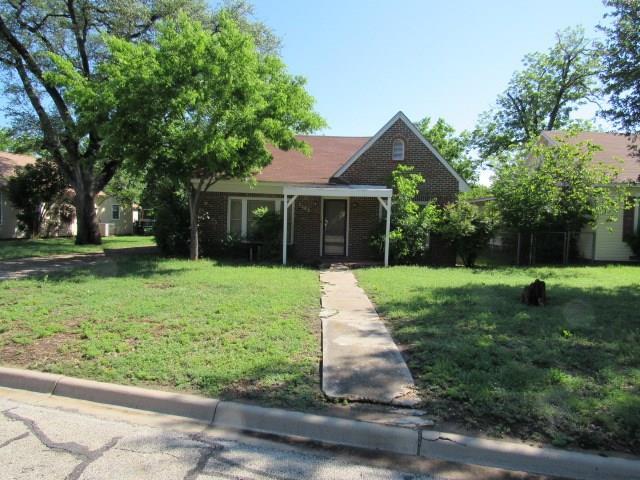 2608 Vincent Street, Brownwood, TX 76801