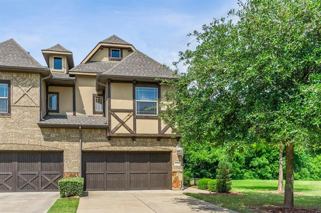 909 Brook Forest Lane, Euless, Texas
