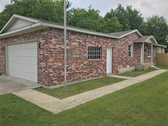 711 Broadway Avenue, Euless in Tarrant County, TX 76040 Home for Sale