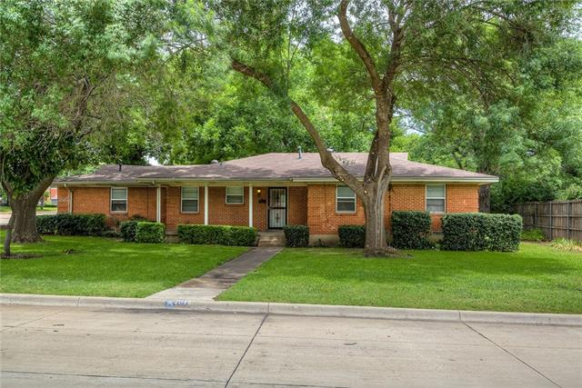 One of De Soto 3 Bedroom Homes for Sale at 101 Spinner Circle