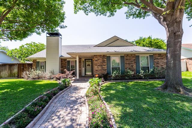 517 Chestnut Drive, Grand Prairie in Dallas County, TX 75052 Home for Sale
