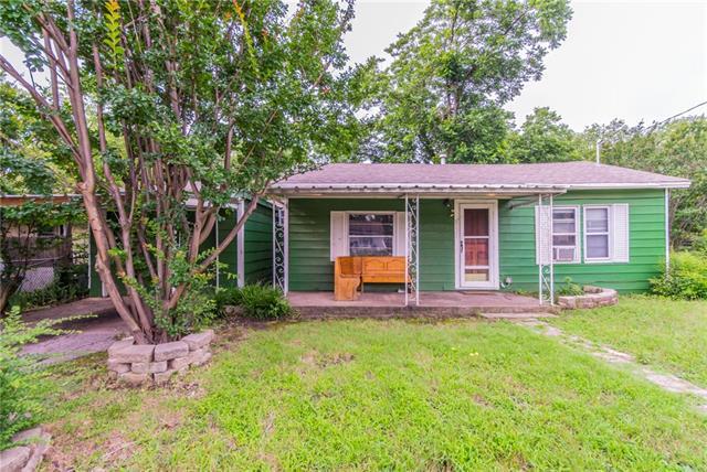 8121 Raymond Avenue White Settlement, TX 76108