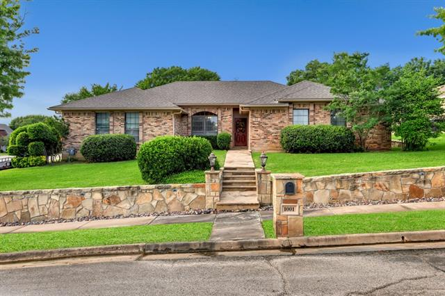 1001 Clear View Drive, Bedford, Texas