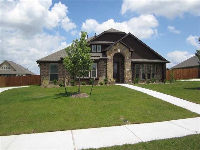1125 Sutton Place, De Soto, Texas