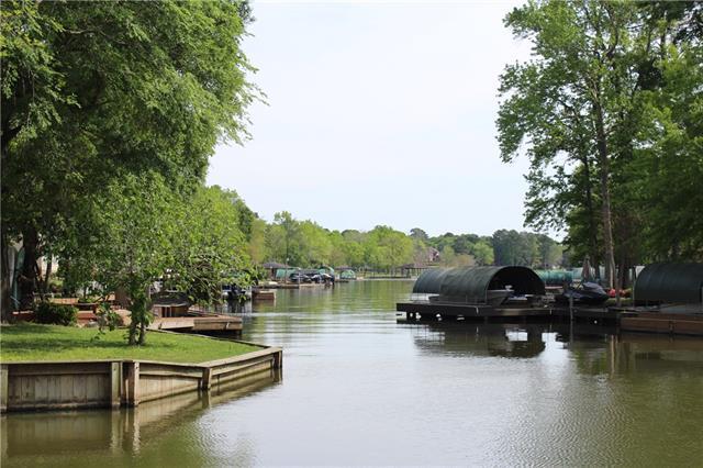 6763 Kingston Cove Lane, Willis, Texas