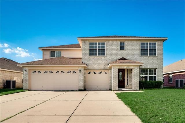 2112 La Salle Trail, Grand Prairie in Dallas County, TX 75052 Home for Sale
