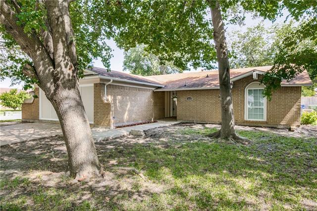 1625 Meadow Way, Garland, Texas