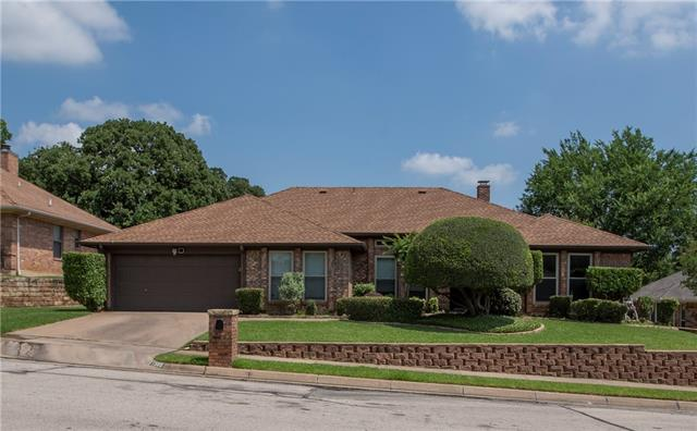 1505 Woodvale Drive, Bedford, Texas