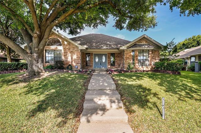 2200 Ridgewood, Bedford, Texas