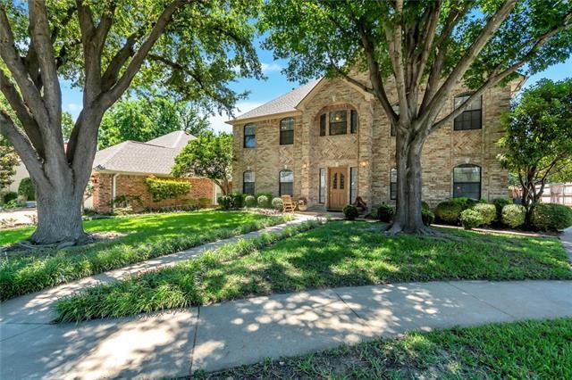 3404 Crescent Court, Bedford, Texas