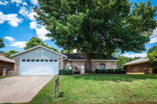 111 Ginger Lane, Euless in Tarrant County, TX 76039 Home for Sale