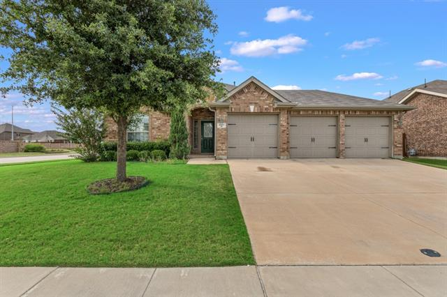 2501 Flowing Springs Drive, Fort Worth Alliance, Texas