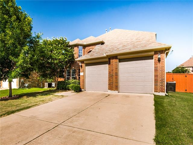 2736 Meadow Lake Drive, Grand Prairie in Tarrant County, TX 75050 Home for Sale