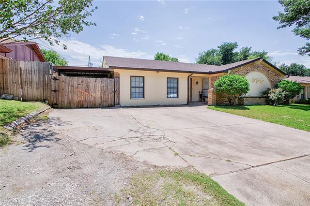 2421 Parkside Drive, Grand Prairie in Tarrant County, TX 75052 Home for Sale
