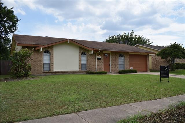 1013 Las Palmas Drive, Grand Prairie in Dallas County, TX 75052 Home for Sale