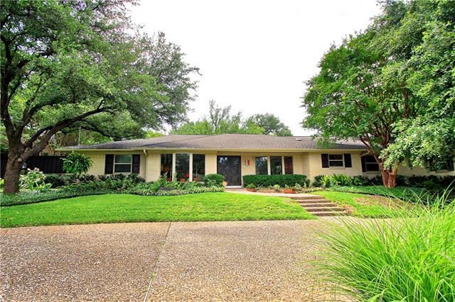 6819 Mossvine Circle, Addison, Texas