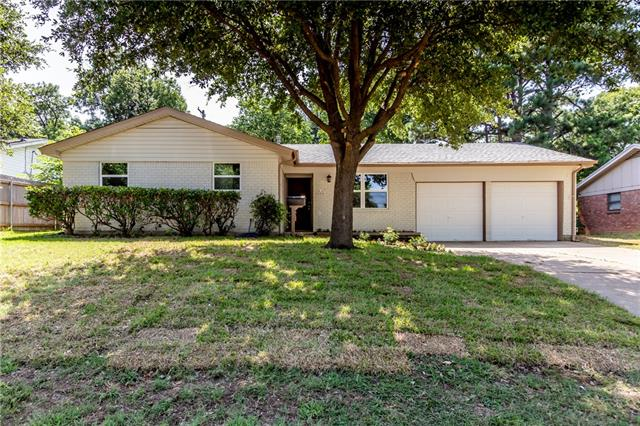 408 Yorkshire Drive, Euless in Tarrant County, TX 76040 Home for Sale