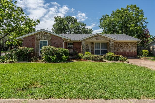 408 E Fuller Drive, Euless in Tarrant County, TX 76039 Home for Sale