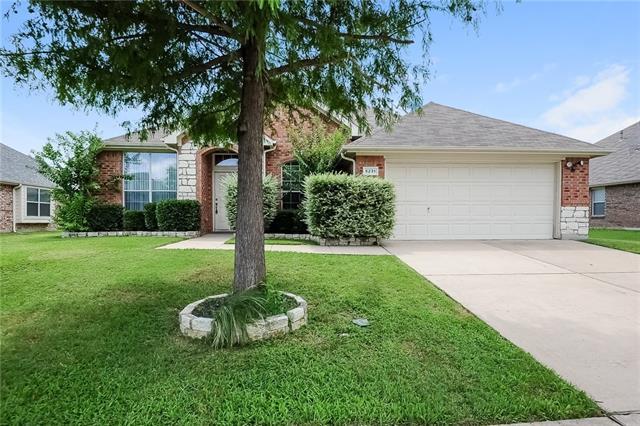 5231 Lake Grove Drive, Grand Prairie in Dallas County, TX 75052 Home for Sale