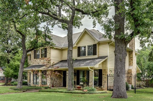Trophy Club Homes for Sale -  Price Reduced,  19 Meadowbrook Lane
