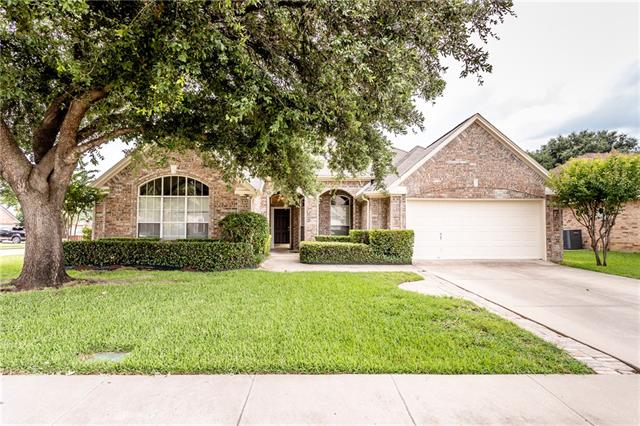 101 Ponciana Drive, Euless in Tarrant County, TX 76039 Home for Sale
