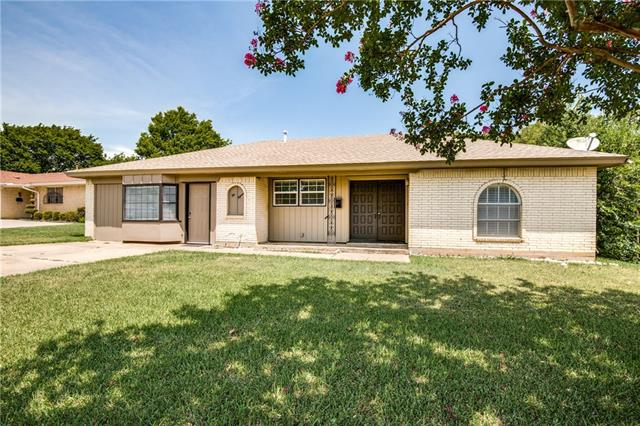 215 Primrose, Euless in Tarrant County, TX 76039 Home for Sale