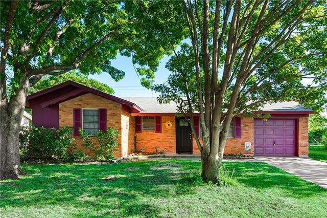 402 Westwood Drive, Euless in Tarrant County, TX 76039 Home for Sale