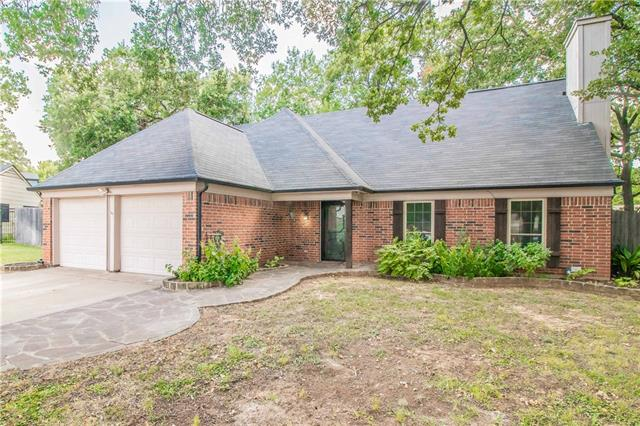 402 Knoll Wood Court, Euless in Tarrant County, TX 76039 Home for Sale