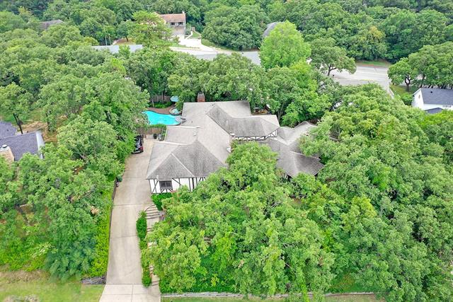1202 Millbrook Drive, Arlington North, Texas