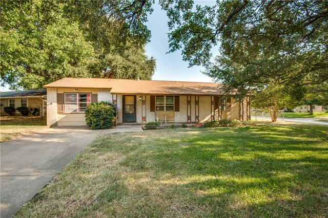608 Midway Drive W, Euless in Tarrant County, TX 76039 Home for Sale