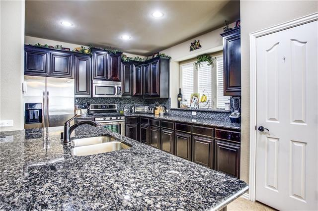2715 Vela, Grand Prairie in Tarrant County, TX 75054 Home for Sale